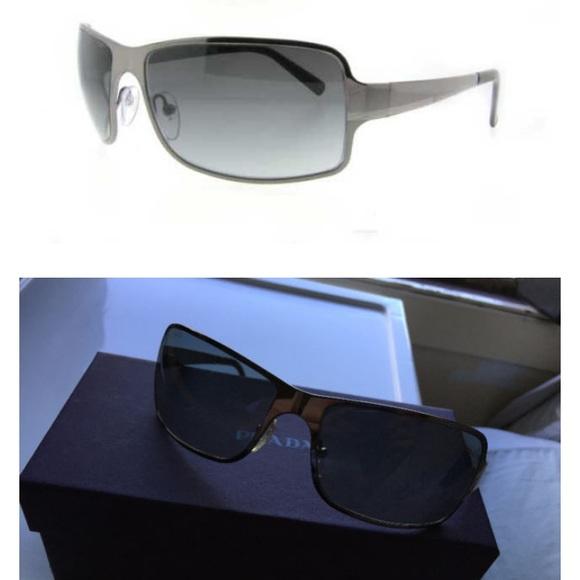 cd742599ddb7 Men s Prada Sunglasses Excellent Condition. M 5c3e0e8bf63eea0bdcfcbbb7